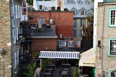 I also love these little backyards, lovely terraces and outside stairs everywhere in Quebec City