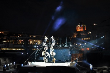 Another example of the art tradition in Quebec City, with this stunning free circus show in the best location ever with the Château Frontenac in the background