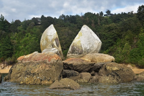 Split Apple rock, Abel Tasman