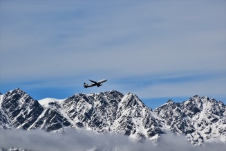 Plane above the mountains, Queenstown