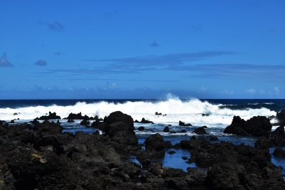 Road to Hana, waves