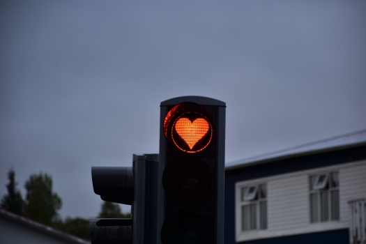 Akureyri, red light, heart