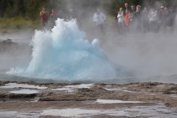 strokkur-bubble-eruption