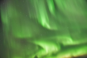south-coast-iceland-northern-lights-blurry