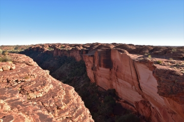 Kings Canyon, cliffs