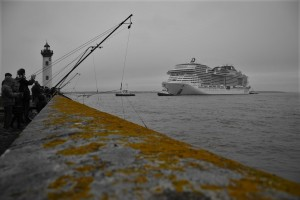 Saint-Nazaire, Vieux Môle Jetty, cruise ship
