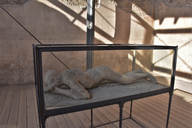 Pompeii, Terme Stabiane, cast of a body