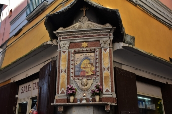 Procida, street votive shrine