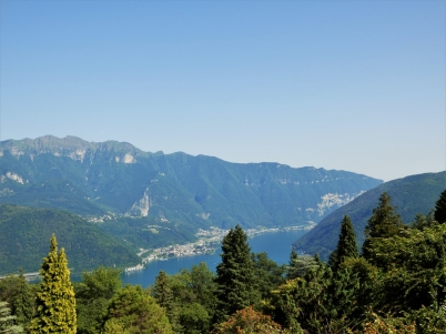 Hiking between Morcote and Lugano; Lake Lugano