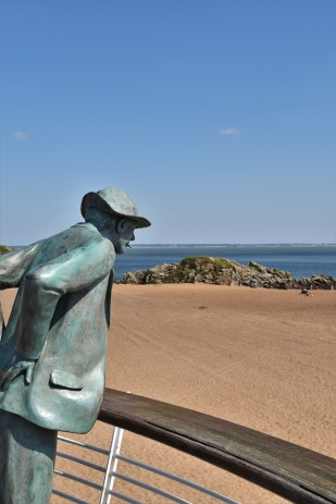 Saint-Nazaire, beach, Monsieur Hulot