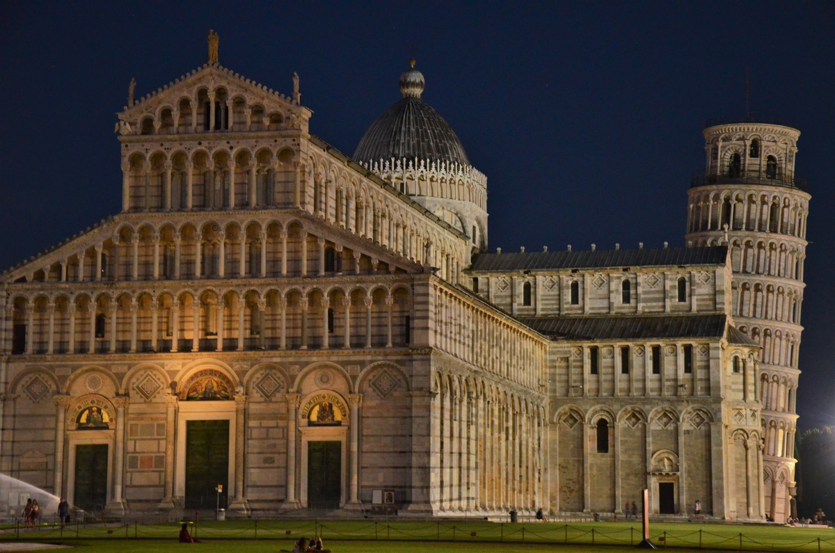 Pisa, cathedral, leaning tower, night
