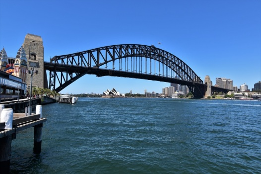 sydney-opera-house-harbour-from-luna-park