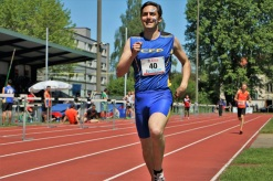 Running a 800m race for my athletics team CEP Cortaillod in Switzerland